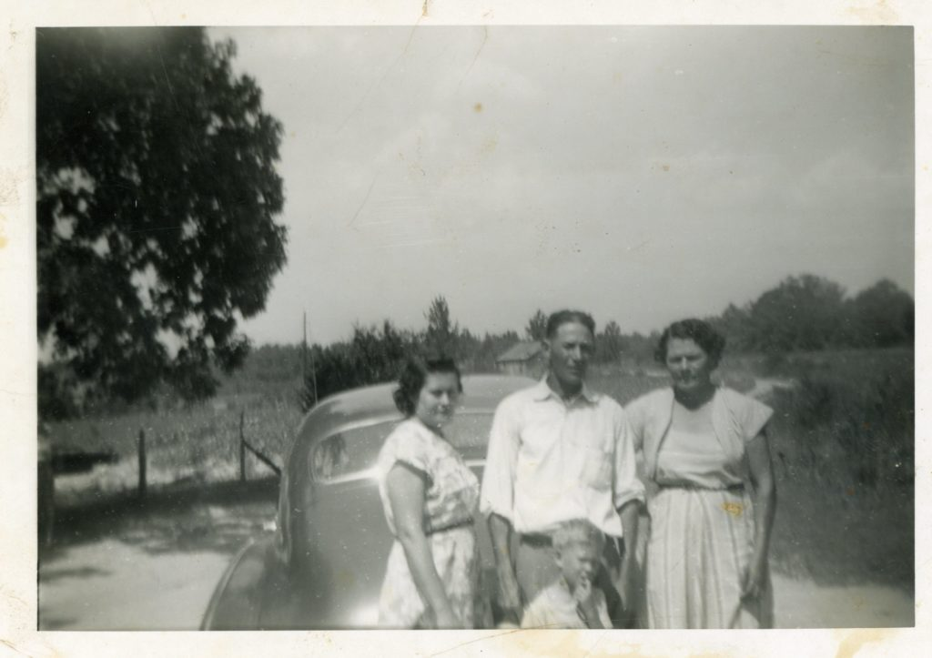 Louise (Rush) Perryman-Curtis Perryman-Blanche (Perryman) Culberson-Walter E. Perryman in front