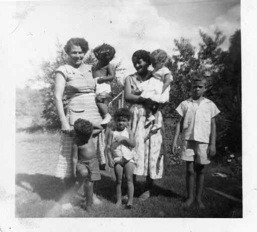 Blanche (Perryman) Culberson, Anthony, Jacqueline, Mildred, Verna (Perryman) Culberson, Deborah, and Walter E. Perryman 1955