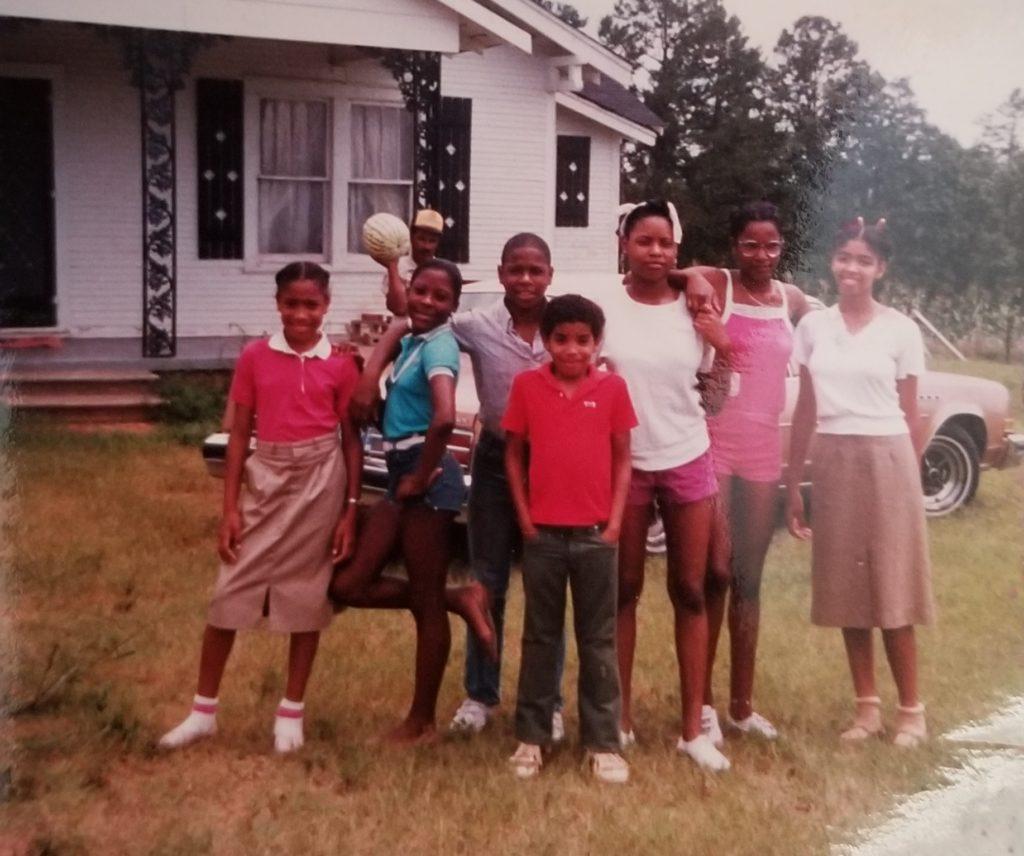 Shanisha, Lisa, Dawuan, Andre, Shaun, Tylesia,Melinda and Rufus (Tommie's husband in back)